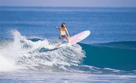Surfer en Catalogne