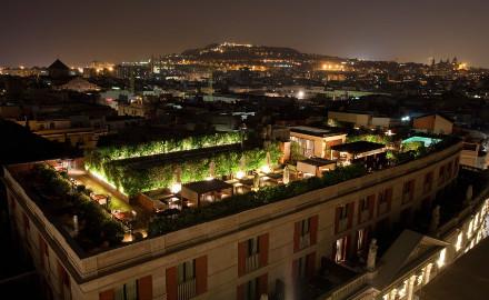 Terrasse de l'hôtel 1898 la nuit
