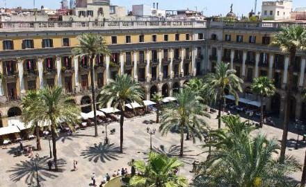 Vue de la terrasse de l'hôtel Do Plaça Reial