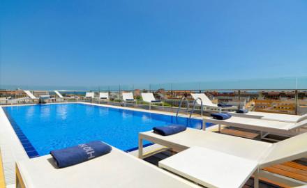 Terrasse de l'hôtel H10 Marina Barcelona