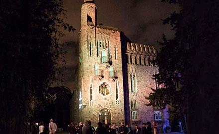Les nuits de gaudi à la Torre Bellesguard