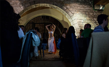 Medieval show au palais Requesens 3